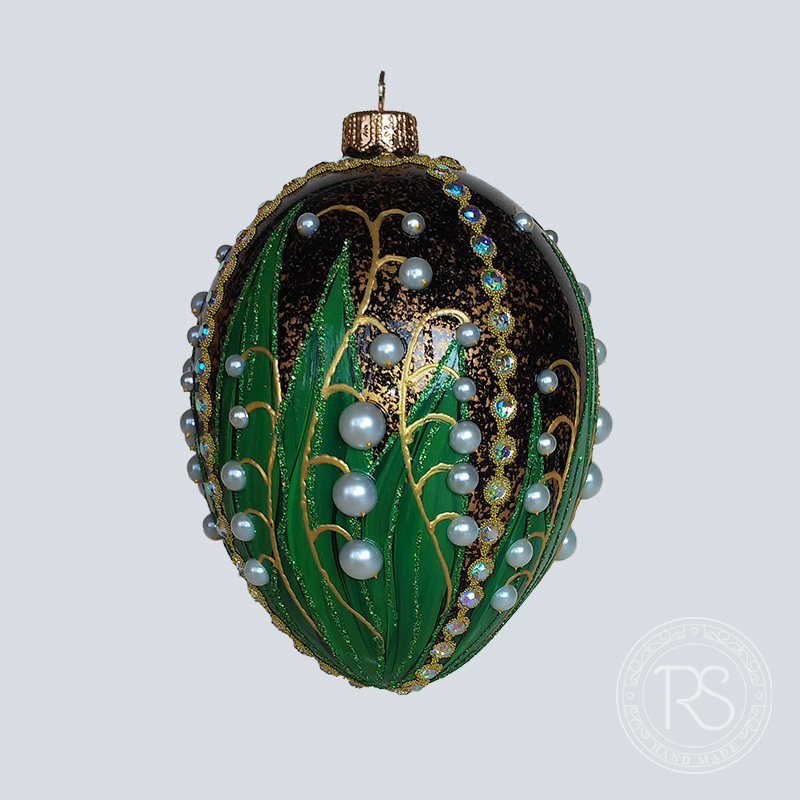 Faberge lilies made of pearls